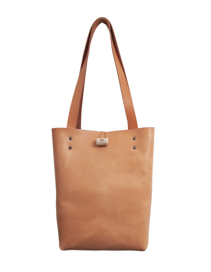Handmade leather minimalist tote in nude